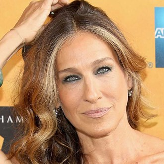 /media/5217/square-sjp-curly-hair.jpg